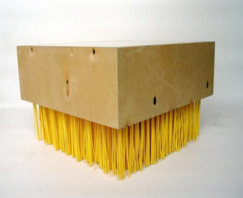 Мебель в виде щётки